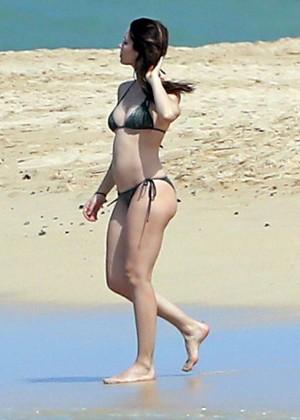 Jessica Biel in Black Bikini in Maui -40