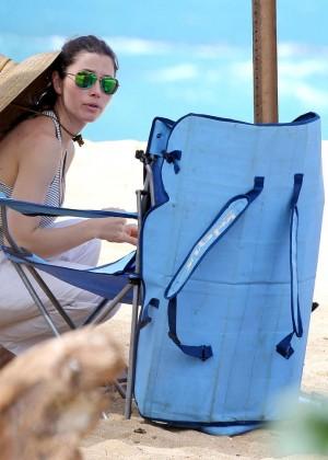 Jessica Biel in Black Bikini in Maui -46