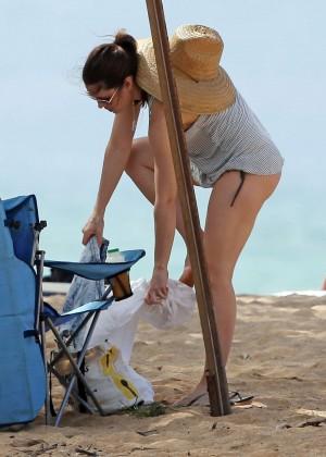 Jessica Biel in Black Bikini in Maui -49