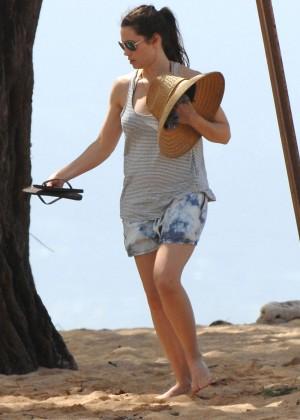 Jessica Biel in Black Bikini in Maui -62