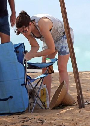 Jessica Biel in Black Bikini in Maui -70