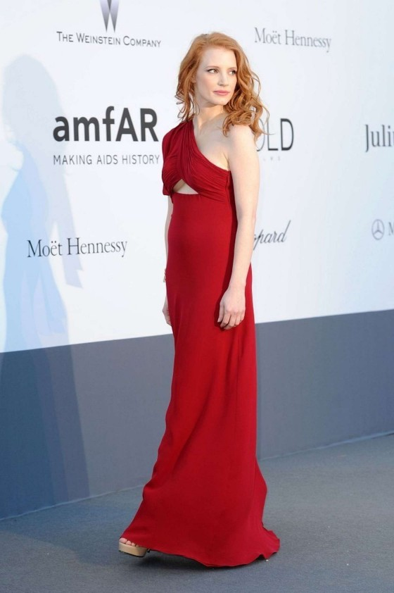 jessica chastain in red dress at 2013 amfar in cannes  07   gotceleb