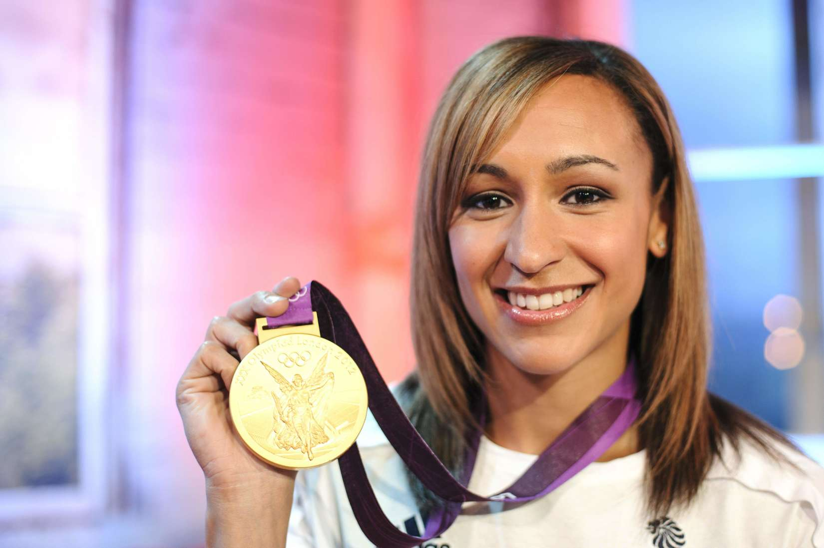 Jessica Ennis 2013 : Jessica Ennis at Coca-Cola Presents Beat TV showing daily -03