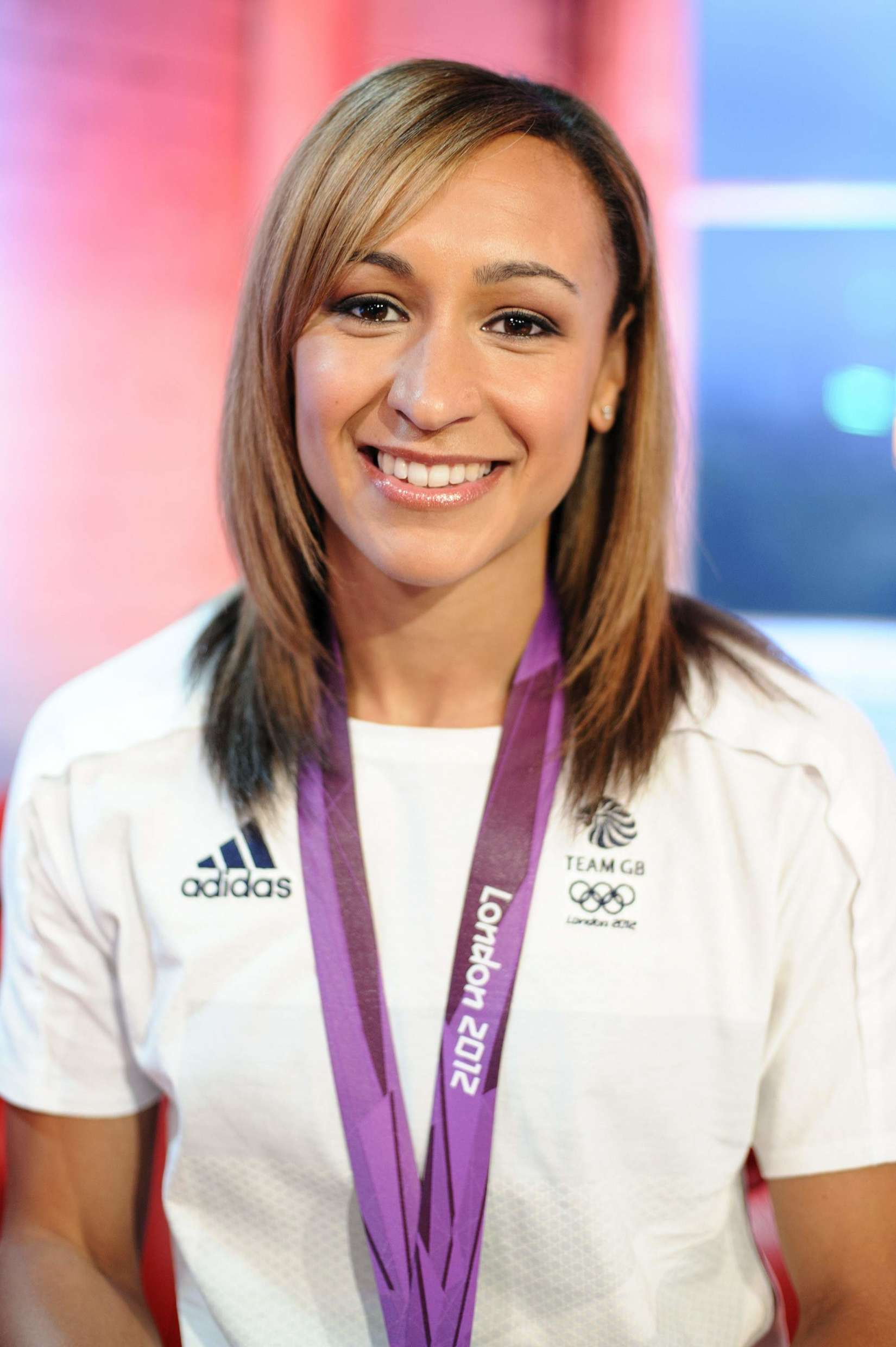 Jessica Ennis 2013 : Jessica Ennis at Coca-Cola Presents Beat TV showing daily -06