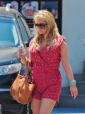 jessica-simpson-cleavage-candids-in-los-angeles-05