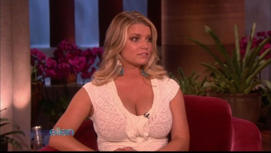 jessica-simpson-cleavage-on-the-ellen-show-01