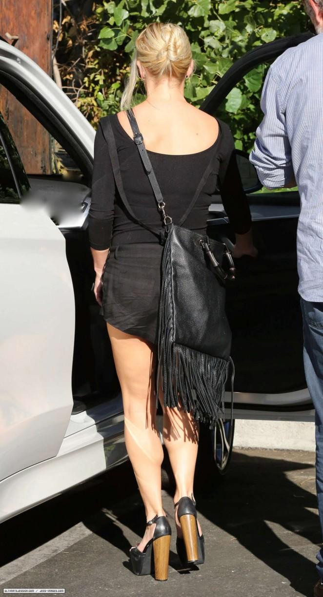Jessica Simpson Shows Her Leggy -23 – GotCeleb | 662 x 1225 jpeg 181kB