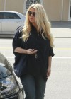 Jessica Simpson Have Lunch at Don Cuco -06
