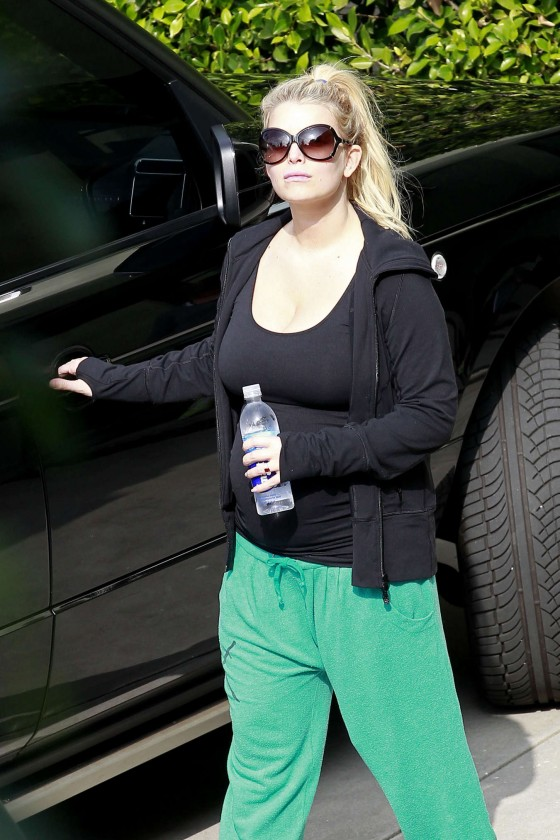 Jessica Simpson 2013 : Jessica Simpson – Heading to a gym  -06