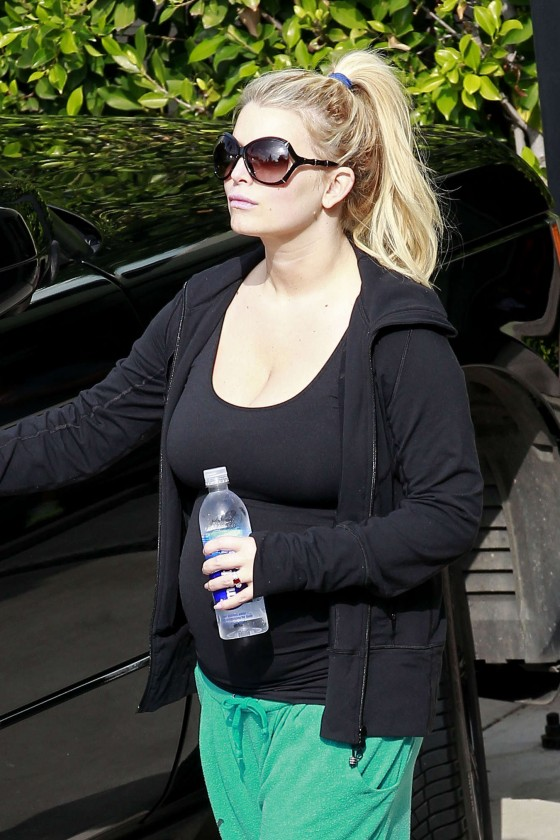 Jessica Simpson 2013 : Jessica Simpson – Heading to a gym  -07