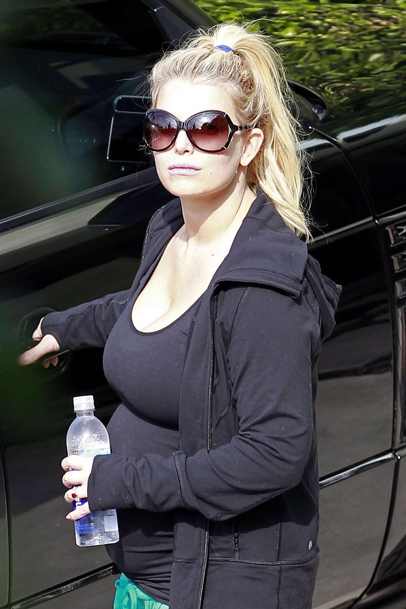 Jessica Simpson 2013 : Jessica Simpson – Heading to a gym  -08