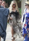 Jessica Simpson in Hawaii -05