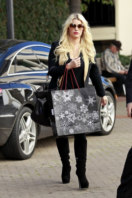 Jessica Simpson – shopping in Beverly Hills-09