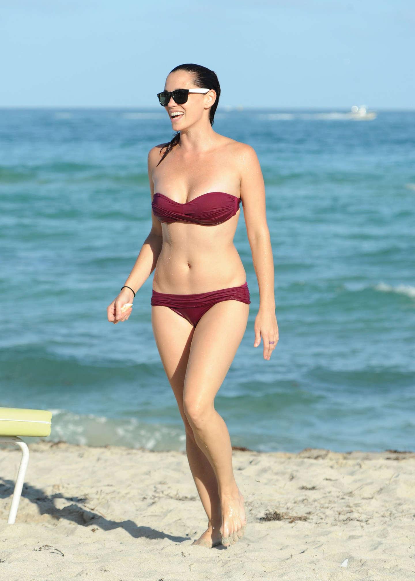 Jessica Sutta - Bikini-02 - GotCeleb Lindsay Lohan Instagram