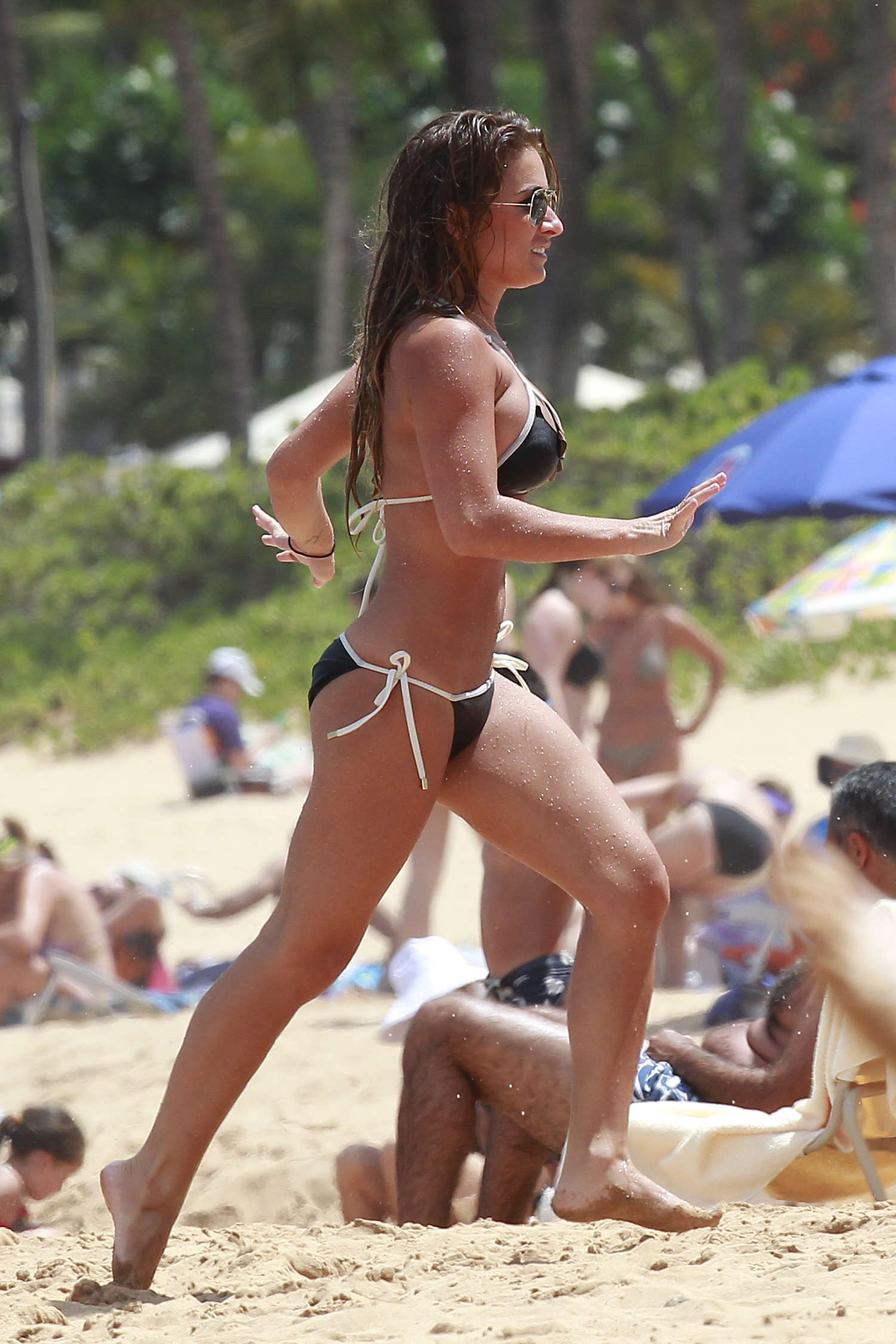 Jessie James Black Bikini Photos Maui The Superficial ...