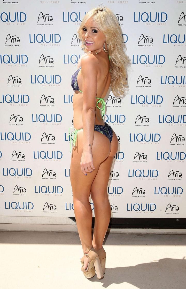 Jhenny Andrade in bikini -07