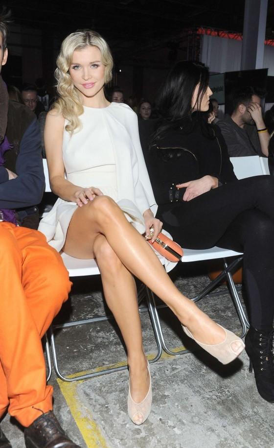 Joanna Krupa - 2013 Mariusz Przybylski fashion show -11
