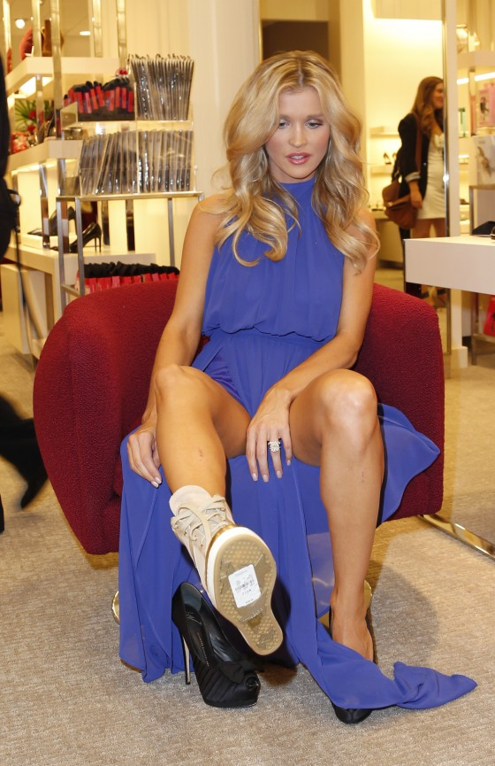 Joanna Krupa – The Shoe Salon On Two Grand Opening at Neiman Marcus in Chicago