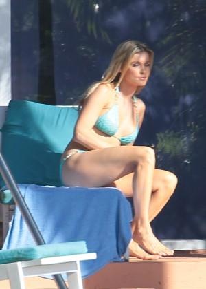 Joanna Krupa hot in a bikini in Miami -07