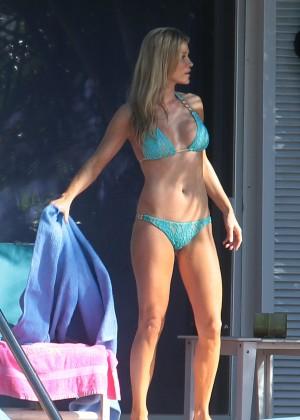 Joanna Krupa hot in a bikini in Miami -10