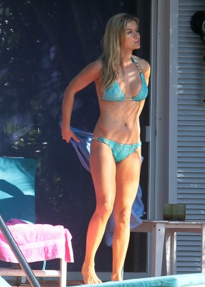 Joanna Krupa hot in a bikini in Miami -23