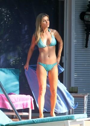 Joanna Krupa hot in a bikini in Miami -29
