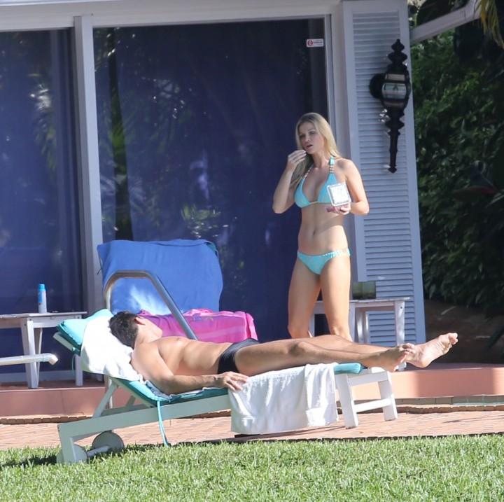 Joanna Krupa hot in a bikini in Miami -36