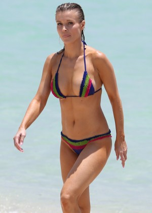 Joanna Krupa in bikini in Miami-09