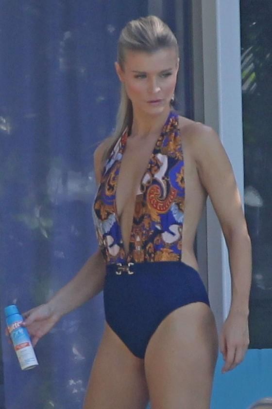 Joanna Krupa – Wearing Swimsuit at Pool in Miami