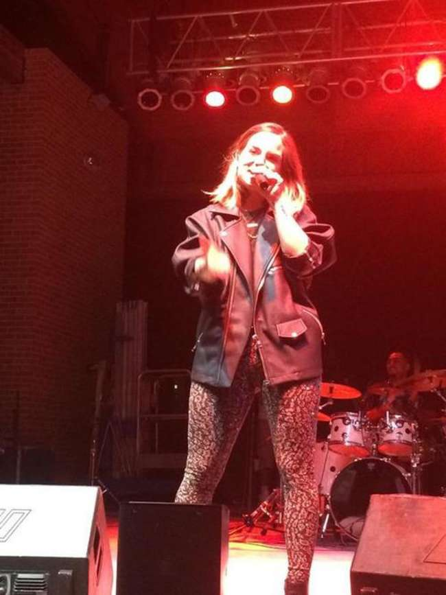 Jojo – Performing at Jacksonville University