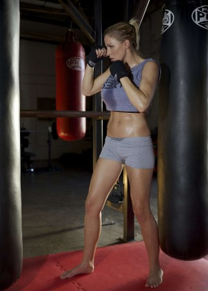 Jordan Carver - Prepares for Celebrity Boxing Match Against Melanie Mueller