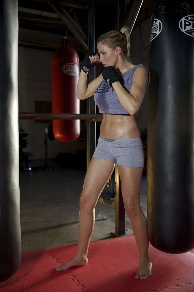 Jordan Carver – Prepares for Celebrity Boxing Match