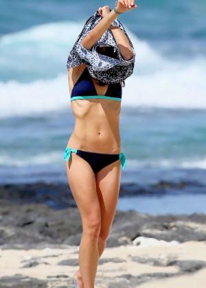 Jordana Brewster in bikini -09