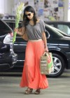 jordana-brewster-shopping-candids-at-whole-foods-06