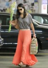 jordana-brewster-shopping-candids-at-whole-foods-09