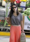 jordana-brewster-shopping-candids-at-whole-foods-10