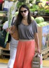 jordana-brewster-shopping-candids-at-whole-foods-12