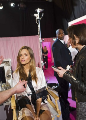 Josephine Skriver - 2014 Victoria's Secret Show Backstage in London