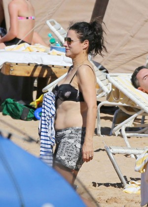 Julia Louis Dreyfus in Black Bikini Top on Maui Beach