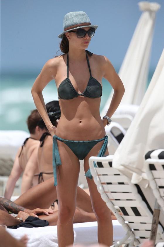 Julia Pereira – wearing a bikini in Miami -02