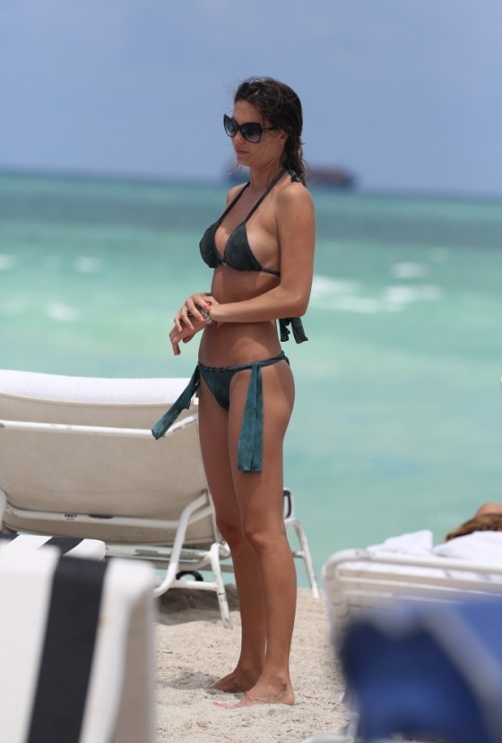 Julia Pereira – wearing a bikini in Miami -03