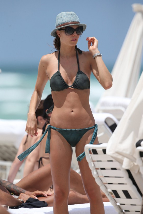 Julia Pereira – wearing a bikini in Miami -09