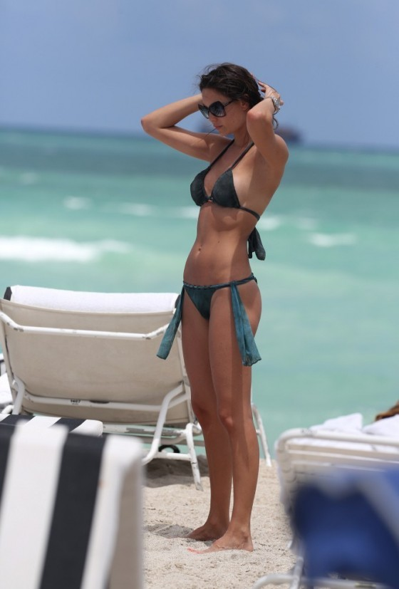 Julia Pereira – wearing a bikini in Miami -15