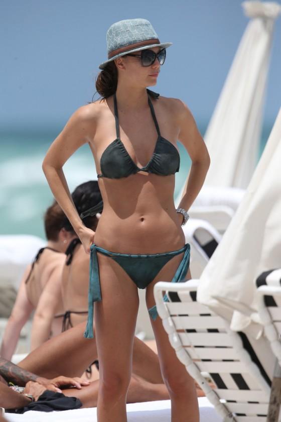 Julia Pereira – wearing a bikini in Miami -17