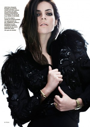 Julia Restoin Roitfeld: Telva Magazine -05
