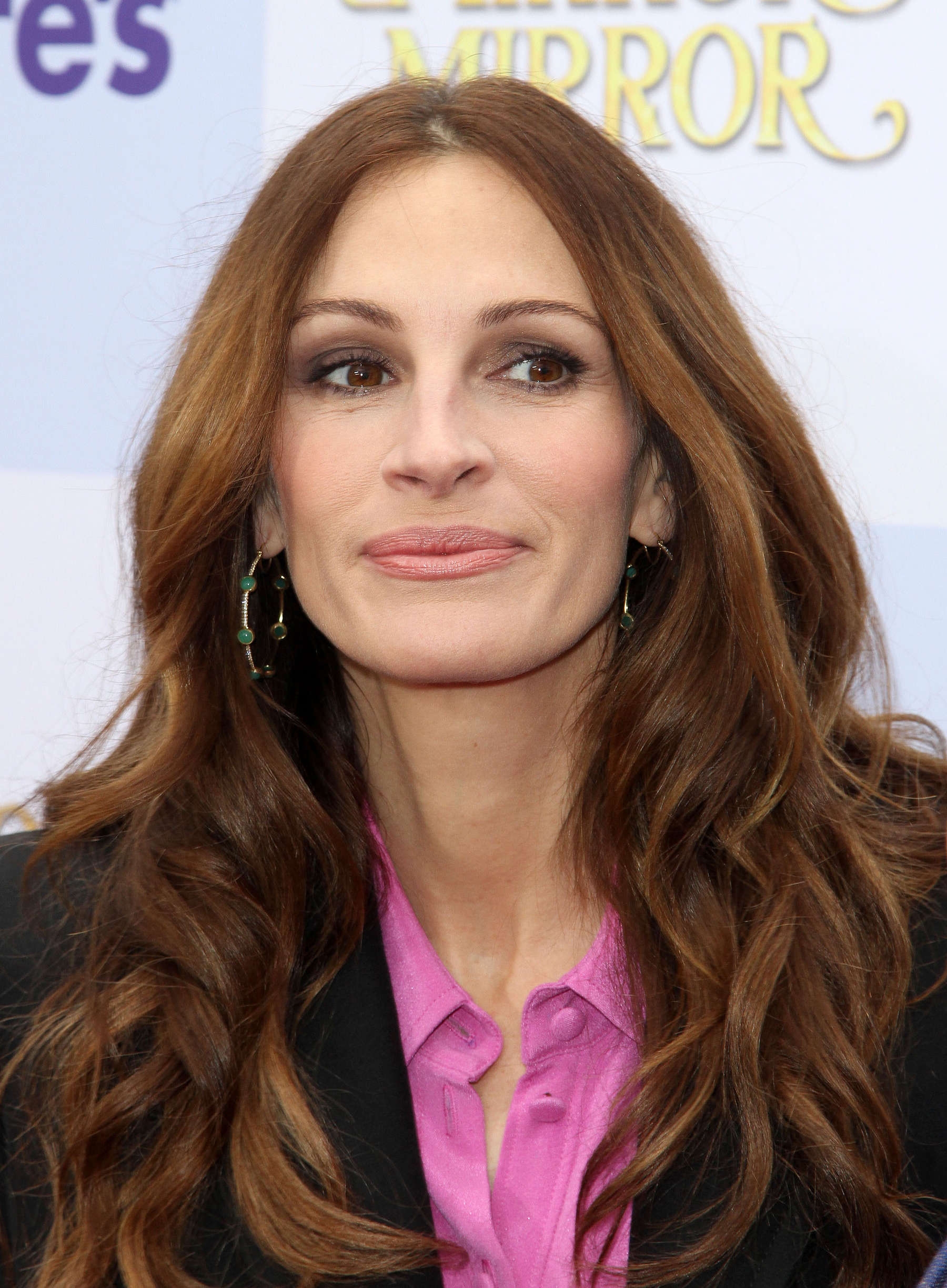 Julia Roberts at Mirror Mirror Premiere-15 - Full Size