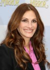 Julia Roberts at Mirror Mirror Premiere-17
