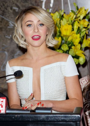 Julianne Hough at Empire State Building -10