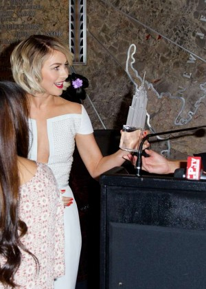 Julianne Hough at Empire State Building -14