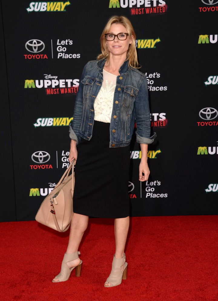 Julie Bowen: Muppets Most Wanted Premiere -04